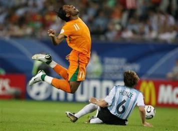 Didier Drogba diving