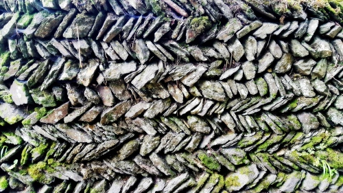 Herring bone wall