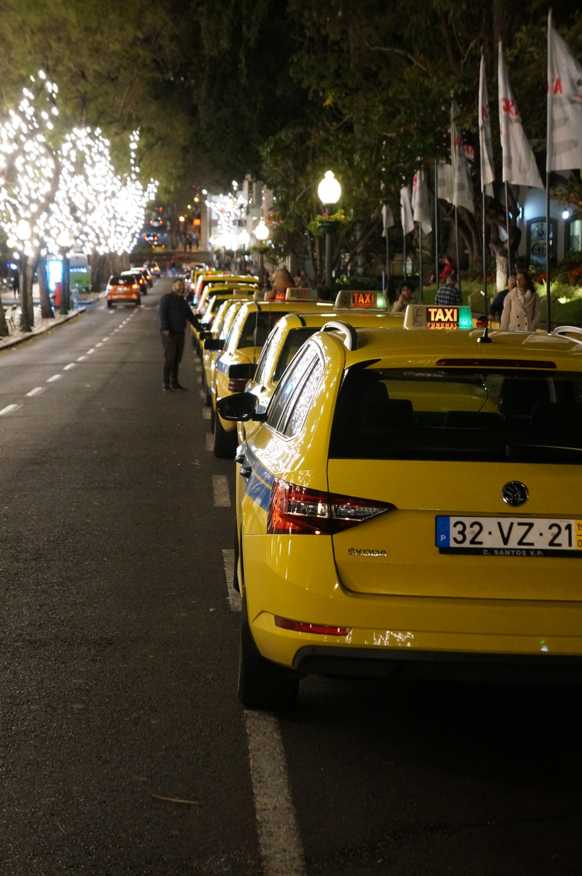 Taxis, lights, flags: Things are ramping up
